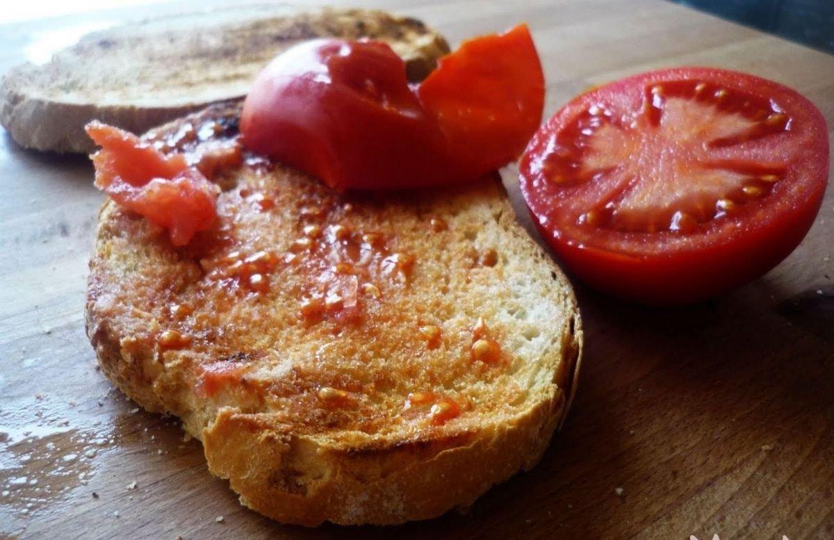 Platos típicos de Barcelona: Pan con tomate